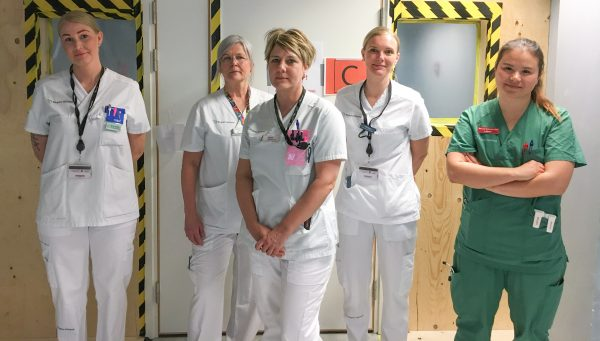 Undersköterska, sjukgymnast, sjuksköterskor och läkare.
